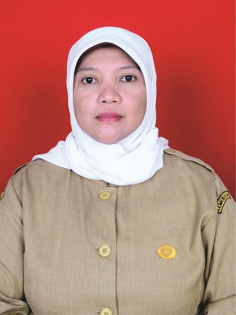 Arina Nursyamsiah, S.Pd.